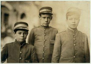 Postal telegraph messengers (1910)